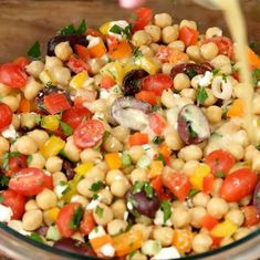 - Chickpea Salad with Mediterranean - Recipes - Ma Fourchette Chickpea Salad Recipes, Veggie Recipes, Vegetarian Recipes, Healthy Recipes, Cold Lunch Recipes, Cold Lunches, Mediterranean Chickpea Salad, Mediterranean Recipes, Chefs