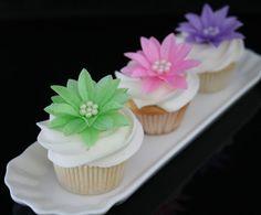 60 Gerbera Daises PEARL Edible Wafer Paper Flower by SweetDejaVu, $120.00