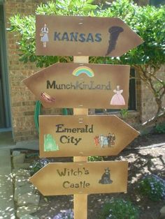 Create a wizard of oz sign for your classroom! You could even make a simple paper one and put it up on the wall. What a fun idea! {broken link, just a picture}