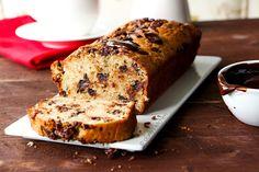 Mis gibi muz kokan mutfağımdan sesleniyorum; bu keki ilk fırsatta pişirin! Her lokmanın verdiği hazzı siz de yaşayın, kahvenizin yanına yo...