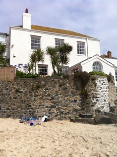 One of my favourite houses in St Ives. So lovely! St Ives Cornwall, Devon And Cornwall, North Devon, Holiday Places, Pink Houses, Coastal Cottage, Dream Homes, Cottages, Blogging