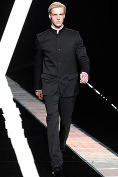 Versace menswear Fall/Winter 2007-08: Jacket inspired by the nehru jacket popular in the 1960s.