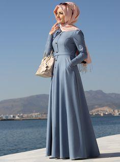 Be stylish muslimah fashion & Best online store for hijab fashion Abaya Fashion, Modest Fashion, Fashion Outfits, Muslim Women Fashion, Islamic Fashion, Abaya Mode, Moslem Fashion, Hijab Style Dress, Hijab Stile