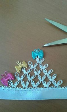 Craft Desk, Needle Lace, Tatting, Needlework, Diy And Crafts, Crochet Necklace, Projects To Try, Embroidery, Handmade