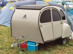 Trailer made from an old Citroen Small Caravans, Vintage Caravans, Vintage Travel Trailers, Car Trailer, Teardrop Trailer, Tiny Camper, Micro Campers, Small Camping Trailer, Psa Peugeot Citroen