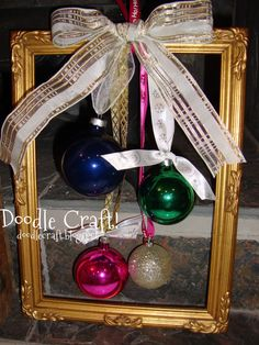 Doodlecraft: Christmas Ornament Frame wreaths!