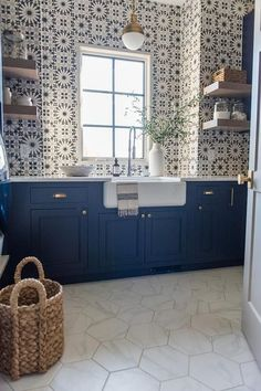 Utility room - White hex floor tiles contrast navy blue shaker laundry room cabinets accented with brass hardware and a white countertop holding a farmhouse sink with a stainless steel pull out faucet. Farmhouse Kitchen Decor, Home Decor Kitchen, New Kitchen, Kitchen Reno, Eclectic Kitchen, Kitchen White, Design Kitchen, Country Kitchen, Kitchen Furniture