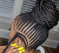 Top 60 All the Rage Looks with Long Box Braids - Hairstyles Trends Box Braids Hairstyles, Braided Ponytail Hairstyles, Braids Wig, My Hairstyle, Protective Hairstyles, Protective Styles, Braid Ponytail, Hairstyle Pictures, Feed In Braids Bun