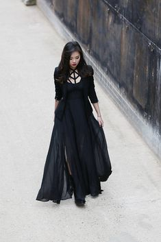 haute couture fashion Archives - Best Fashion Tips Fashion Mode, Dark Fashion, Gothic Fashion, Steampunk Fashion, Dark Beauty, Gothic Beauty, Estilo Dark, Mode Rock, Gothic Outfits