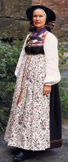 FolkCostume&Embroidery: Overview of Norwegian Costumes, part The eastern heartland Norwegian Clothing, Heartland, Norway, The Row, Birth, Two By Two, Folk, Sari, Vest