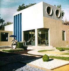 la Villa Arpel de Jacques Lagrange pour le film Mon Oncle, 1958 : reconstitution en 2008 Centre PasquArt Bienne