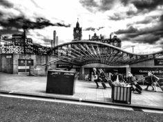 Curves and lines #scotland #edinburgh #waverleystation #igersbnw #igers #igeroftheday #photooftheday #blackandwhite #bnw_life #bnw_captures #bnw_society #bnwmood #bnw #blackandwhitephotography #blackandwhitephoto #travellingcamera #wanderlust