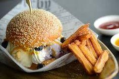 Iced Buns: Will the Ice Cream Burger be the next Hong Kong food fad? Iced Buns, Homemade Brioche, Best Ice Cream, Food N, Food Inspiration, Hamburger, Sandwiches, Deserts, Treats