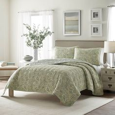 Stone Cottage Emilia Cotton Quilt Set - Revitalize your bedroom with the sophisticated Stone Cottage Emilia Cotton Quilt Set . The classic paisley pattern is updated by its sage, blue-gray,...