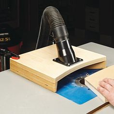 Router Table Dust Hood Woodsmith Tips Woodworking Router Table, Router Table Fence, Router Table Plans, Wood Router, Woodworking Workshop, Woodworking Projects Diy, Woodworking Furniture, Woodworking Shop, Woodworking Plans