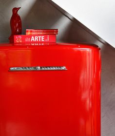 Tossing industrial and cuts of colour like a crisp salad. Cinnamon Bears, Retro Fridge, Mid Century Modern Kitchen, Red Light District, Go Red, Iconic Photos, Color Studies, Fire Engine, Shades Of Red