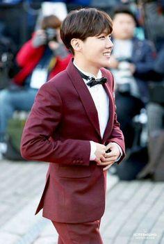 * you're my light * — BTS in suits - Hoseok Gwangju, J Hope Selca, Bts J Hope, Lee Min Ho, Jung Hoseok, Foto Bts, Bts Bangtan Boy, Bts Jimin, Bts Boyfriend