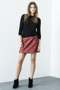 http://www.warehouse.co.uk/double-zip-tweed-skirt/skirts/warehouse/fcp-product/4349075754