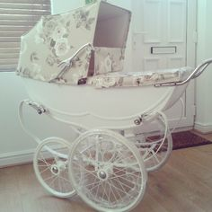 A stroller is one of the most important things you'll buy for your baby, but even with a proper test drive in the store, it's hard to anticipate how a stroller will handle real life. Check out the best strollers according to thousands of parents. Umbrella Stroller, Pram Stroller, Best Prams, Silver Cross Prams, Baby Trolley, Vintage Pram, Vintage Stroller, Prams And Pushchairs, Baby Girls