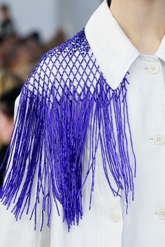 Dries Van Noten Spring 2019 Ready-to-Wear Fashion Show - Fashion For Women - Dries Van Noten Spring 2019 Ready-to-wear fashion show # # Spring Fashion - Trend Fashion, Fashion Weeks, Fashion Details, Fashion Art, Editorial Fashion, Spring Fashion, High Fashion, Fashion Show, Fashion Outfits