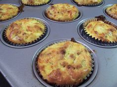 Six in the Suburbs: Breakfast Omelet Muffins, trying after the successful lasagna cupcakes What's For Breakfast, Paleo Breakfast, Breakfast Dishes, Breakfast Recipes, Breakfast Omelette, Breakfast Muffins, Frittata Muffins, Egg Muffins, Morning Breakfast