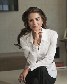 Queen Rania of Jordan media gallery on Coolspotters. See photos, videos, and links of Queen Rania of Jordan. Business Portrait, Corporate Portrait, Business Headshots, Corporate Headshots, Professional Headshots Women, Professional Portrait, Professional Profile Pictures, Foto Cv, Queen Rania