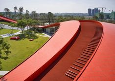 Powerhouse Company tops reception building with undulating walking trail. Parametric Architecture, Parametric Design, Architecture Design, Chinese Architecture, School Architecture, Chengdu, Concrete Interiors, Roof Detail, Museum