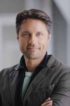 Martin Henderson: another new hottie doctor on Grey's Anatomy, playing Nathan Riggs.