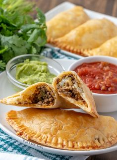 Easy Beef Empanadas This easy recipe for empanadas uses ground beef, pie crust and cheese. So easy to make you can prepare them in advance or freeze them for a future freezer meal! Meat Recipes, Mexican Food Recipes, Appetizer Recipes, Cooking Recipes, Appetizers, Spanish Recipes, Recipies, Authentic Mexican Recipes, Beef Dishes