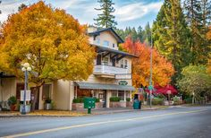 10 Breweries Where You Can Spend the Night - CALISTOGA INN RESTAURANT & BREWERY Where: Calistoga, California