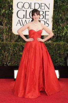 Zooey Deschanel in retro-red Oscar de la Renta, Golden Globes 2013