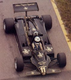 Elio de Angelis won his first race at the 1982 Austrian GP in the Lotus 91 - less than 1 second ahead of Keke Rosberg Lotus F1, Vintage Racing, Vintage Cars, Formula 1, F1 Racing, Indy Cars, Grand Prix, Race Cars, Classic Cars
