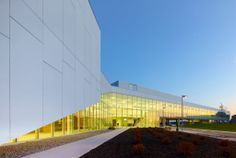 Project: Durham College Location: Whitby, ON Product: Equitone Architect: Teeple Architect #architecture #material #facade www.equitone.com