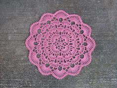 FREE PATTERN ~ C ~ @ http://web.archive.org/web/20041018210231/http://www.denisecrochets.com/wintersbreath.html Ravelry: Winter's Breath Doily pattern by Denise (Augostine) Owens