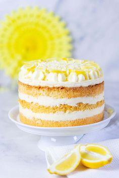 Lemon cream pie recipe- Zitronencreme-Torte Rezept Recipe for a lemon cream cake with homemade lemon curd - Lemon Cream Cake, Lemon Cream Pies, Healthy Dessert Recipes, Cake Recipes, Citron Cake, Lemond Curd, Naked Cakes, Cream Pie Recipes, Flaky Pastry
