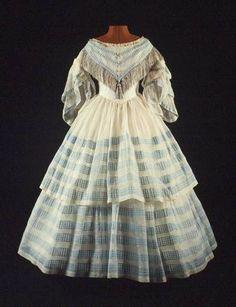 Blauw en witte strokencrinoline, middagjapon (1850-1860) Museum Rotterdam