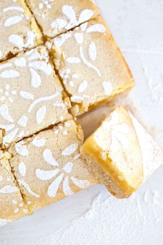 Made with just a few simple ingredients and ridiculously easy to make, these lemon squares are a wonderful lemon treat. Citrus Recipes, Sweet Recipes, Snack Recipes, Bar Recipes, Potato Recipes, Lemon Squares, Lemon Buttercream, Lemon Filling, No Bake Bars