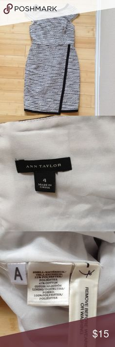 Ann Taylor black and white career dress Gorgeous and professional.  Hidden back zipper Ann Taylor Dresses Midi