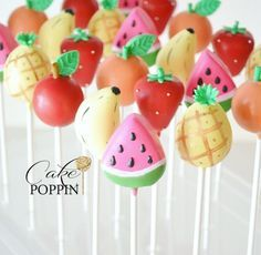 Another go round with fruit! Mixed fruit cake pops featuring the fruit of the day Make sure you are filling me in to catch the replay of the entire fruit making process😘 🍉🍓🍌🍊🍎 Fruit Birthday Cake, Watermelon Birthday, Tutti Frutti, Watermelon Cake Pops, Tutti Fruity Party, Fruit Party, Fondant Cakes, Party Cakes, Cakepops