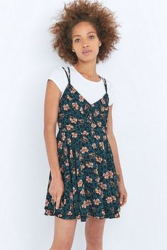 Pins & Needles Scarlet Floral Green Dress - Urban Outfitters