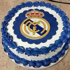Liindo esse bolo personalizado com o Papel de Arroz no tema Real Madri, um luxo, né!