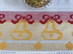 ARTESANATOS TRANSITÓRIA Weaving Patterns, Origami Paper, Cross Stitch, Crafts, Ribbon Embroidery, Cross Stitch Embroidery, Christmas Embroidery, Embroidered Towels, Embroidery Techniques