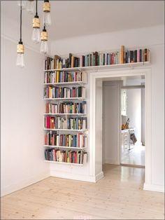 bookshelves for small spaces - bookshelves ; bookshelves in bedroom ; bookshelves in living room ; bookshelves for small spaces ; Diy Bookshelf Design, Bookshelf Decorating, Bookshelf Ideas, Decorating Ideas, Bookshelves For Small Spaces, Unique Bookshelves, Bookshelves Kids, Decoration Bedroom, Home And Deco