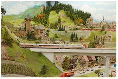 Modelleisenbahn Miniatur Wunderland-Hamburg Small World, Model Trains, Fairies, Germany, Bucket, Houses, Heart, Board, Model Train