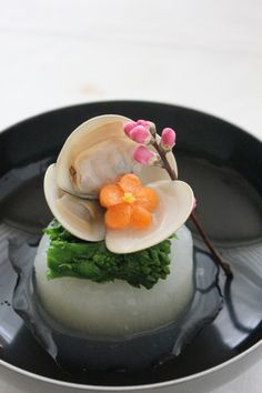 ひなまつりと言う事で、一番似つかわしいわらひにバトンが回ってきました! 選択した方々、、、やっぱり分かってらっしゃいます♪ 本当はピンチヒッターだ... Sushi Design, Food Design, Japanese Dishes, Japanese Food, Food Decoration, Winter Food, Fish And Seafood, Diet And Nutrition, Asian