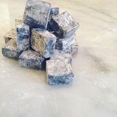 Håll ut alla saltlakritsälskare där ute! Vår lakritskola gjord på riktig…