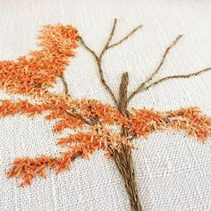 Detail ✌❤ . . . . . . . . . . . #erable #maple #orange #detail #arbre #greenlife #tree #nature #making #encours #inprogress #draw #dessin #handembroidery #embroidery #embroideryart #broderie #broderiemain #handmade #faitmain #brodeuse #stitching #embroidered #madeinfrance #delphil #tatoueusedetissu #modernembroidery #contemporaryembroidery #embroideryinstaguild #embroiderylove