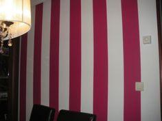 La pared de mi comedor  tiene 12  rayas,  de esas 12 rayas 6 son de color rosa son 6/12 Color Rosa, Curtains, Country, Home Decor, The World, Fractions, Stripes, Dining Room, Colors