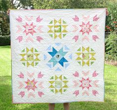Sew Scatterbrained: Starfield Quilt Pattern - Pattern link in blog post!