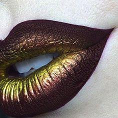 Dark lip Steampunk Make Up, Steampunk Mode, Steampunk Outfits, Steampunk Costume, Steampunk Halloween, Makeup Art, Lip Makeup, Makeup Geek, Steampunk Kunst